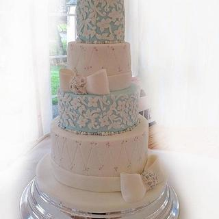 Last wedding cake of the year !!!