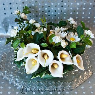 Sugarpaste Flowers - Cake by Kaye