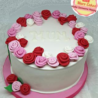 Flowery mother'day cake