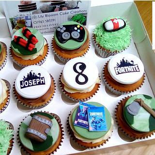 Gaming Cupcakes - Cake by spongebobcakes
