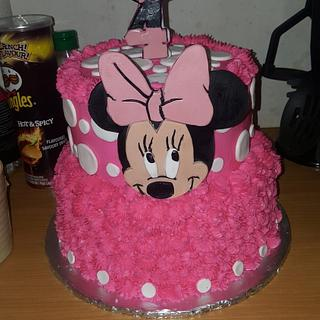 Pink Minnie with polka dots and alot of pink. - Cake by Del.wls