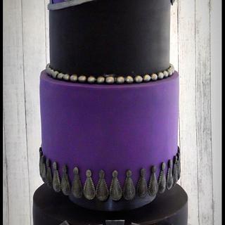 Gothic Art Deco - Cake by BakedbyBeth