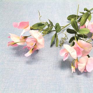 Free-formed sugar Sweet Pea flowers - Cake by Catalina Anghel azúcar'arte