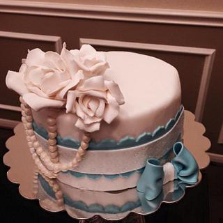 Vintage bridal shower cake  - Cake by Carola Gutierrez
