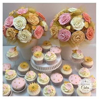 Wedding Bouquets and cuppies