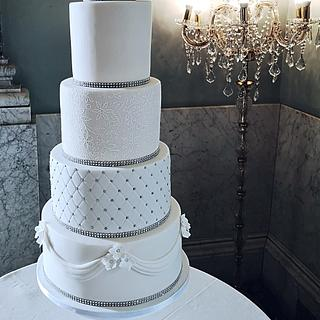x White Wedding Cake x