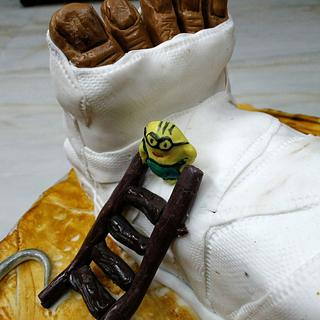 An orthopedic cake