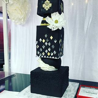 Black fondat cake