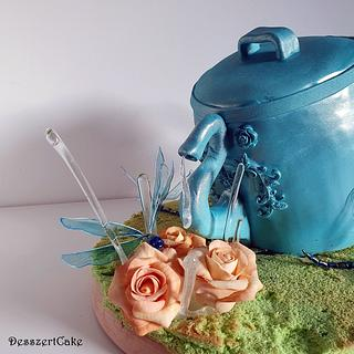 Wateringcan cake with dragonfly and roses