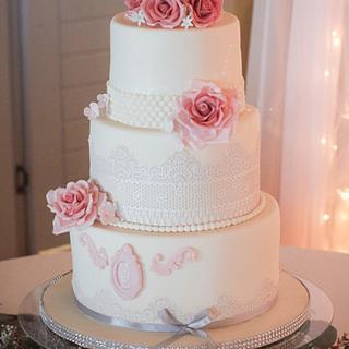Vintage wedding cake - Cake by Sheena Henry
