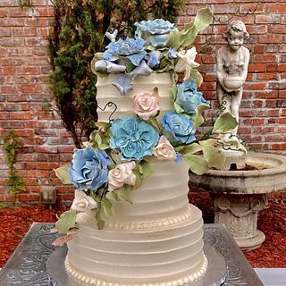 Spring garden wedding cake  - Cake by Lucky Bear Cakes