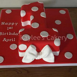 Number 1 Minnie Mouse inspired cake