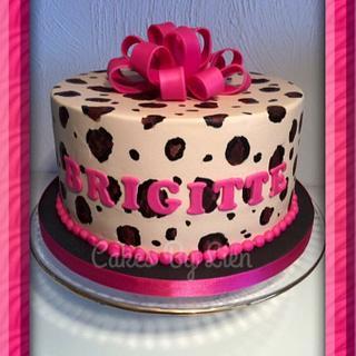 A leopard cake!