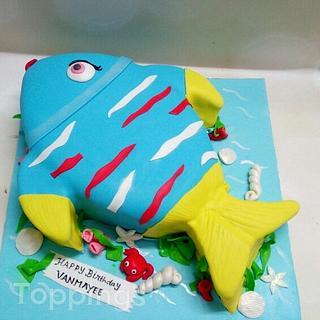 Fish theme cake
