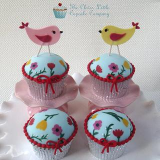 Hand Painted Birdie Cupcakes
