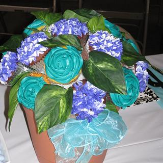 Bridal Shower Cupcake Bouquet!  - Cake by Lori