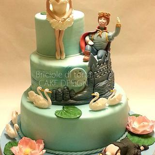 B'DAY CAKE The death of the swan - Cake by BRICIOLE DI TORTA di MARIA SILVIA CHECCACCI