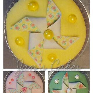 Cath Kidston inspired pinwheel cupcakes
