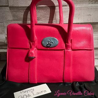 Fuschia pink Handbag - Cake by Lynnie Vanillie Cakes