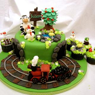 Steam train with country theme cake