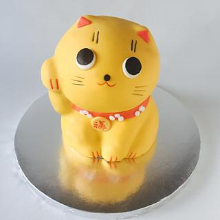 Maneki cat cake.