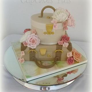 Suitcase and hat box wedding cake