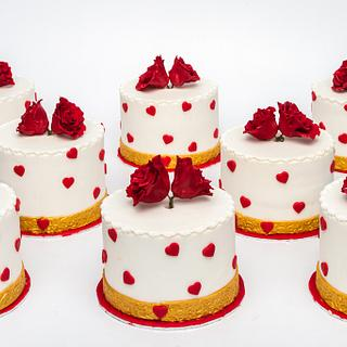 8 little Valentine Cakes