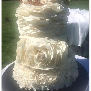 Botanical Ruffles Romantic wedding cake