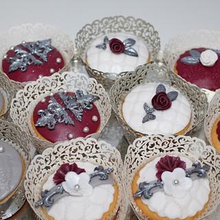 ... cupcakes ...
