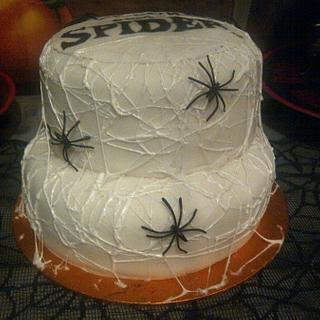 Along came a spider halloween cake