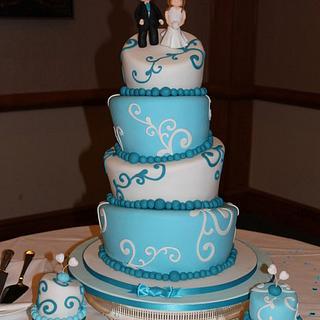 Topsy Wedding cake