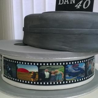 Film reel & can for 40th birthday - Cake by Combe Cakes