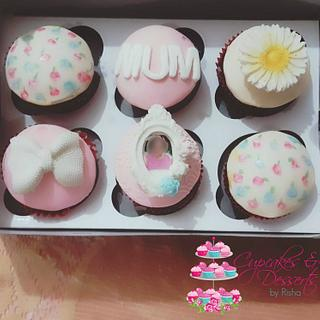 Vintage Cupcakes for Mom - Cake by Risha