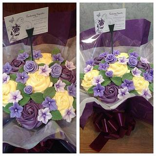 Purple Rose Cupcake Bouquet - Cake by Enchanting Cupcakes hobby cakes