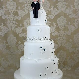 Character and Daisy Wedding Cake