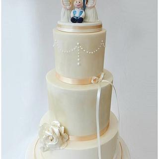 A 'Family Portrait' Wedding Cake
