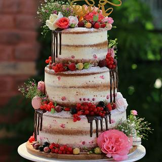 semi naked wedding cake :