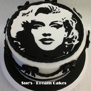 Marilyn - hand painted! - Cake by Sue's - Dream Cakes