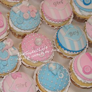 Gender Reveal cupcakes & toppers