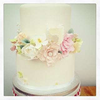 Pastel flowers - Cake by Milliebakes