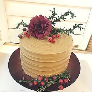 Autumn Spice Cake by Dozycakes
