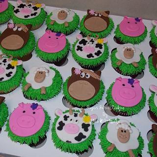 Farm Animal Cupcakes - Cake by Sugar Sweet Cakes