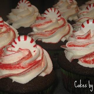 Peppermint Mocha Cupcakes - Cake by Becky Pendergraft