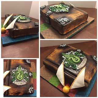 Harry Potter Slytherin cake