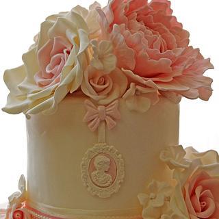 Cameo cake con rose e peonie