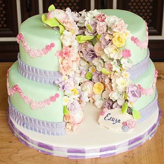 Split flower cake