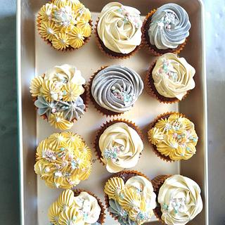 Cupcakes - Cake by Cups'& Cakery Design