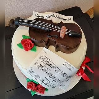 An edible Violin cake