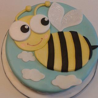 Bee (mud) cake! - Cake by Giovanna Hernandez