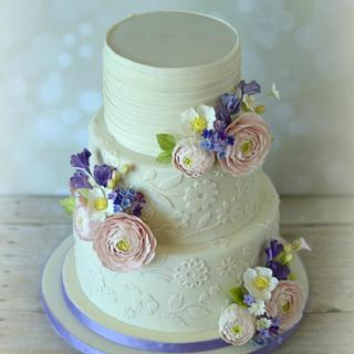 Flowers & Lace Wedding Cake